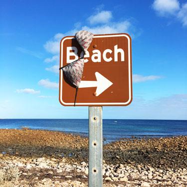 Bikini-beach-sign